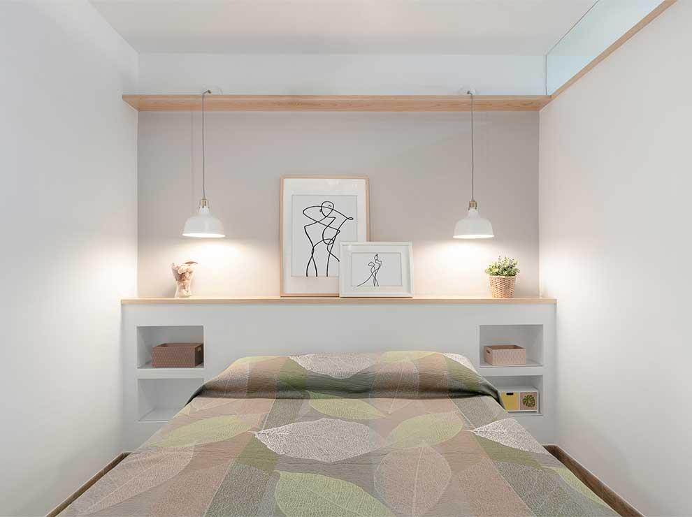 Interiorismo de dormitorio luminoso.