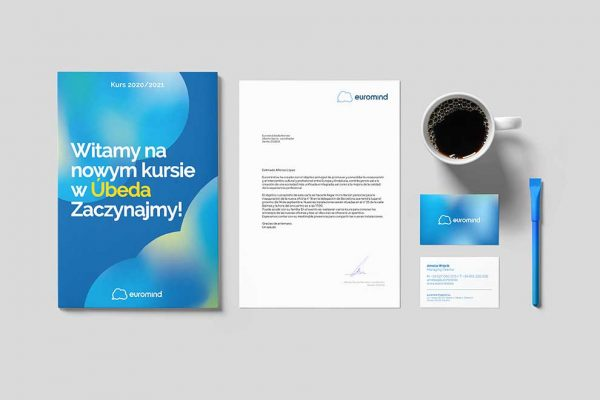 Aplicación de marca en papelería