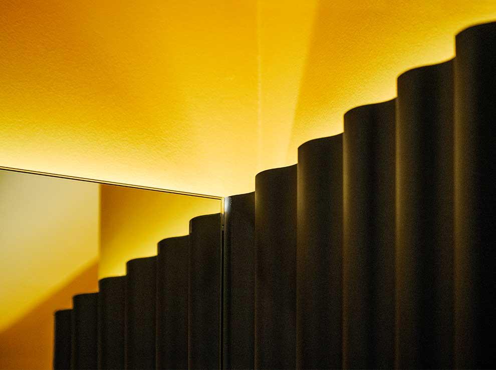 Detalle del diseño interior del baño en Caterpillar