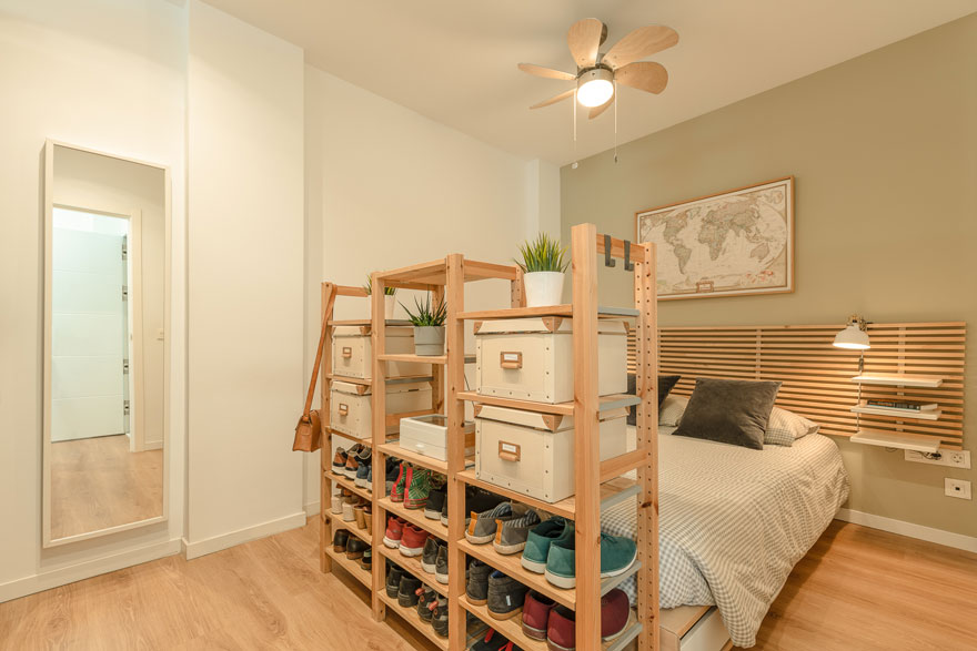 Open dressing room design in small house