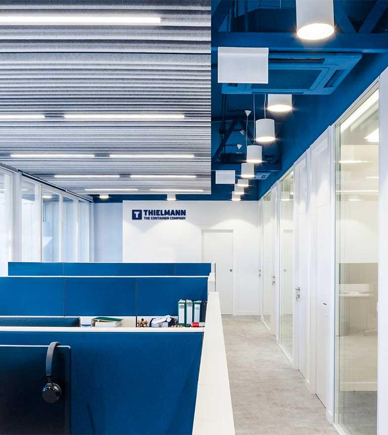 Diseño interior de oficina moderna.