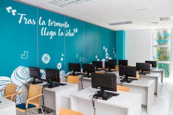 Diseño interior en oficinas del PTA