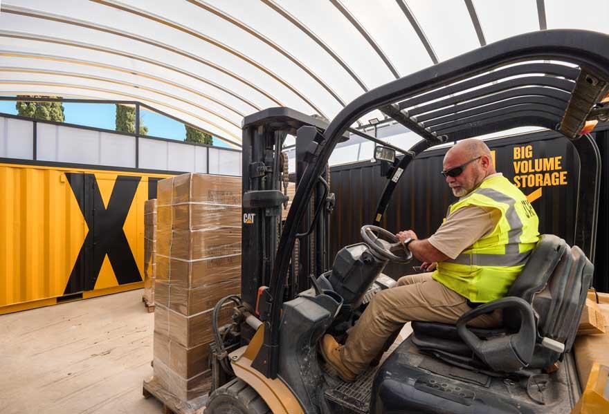 Funcionamiento del nuevo edificio con contenedores en Caterpillar