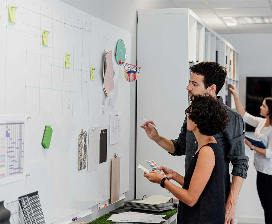 Diseñadores de Filbak trabajando