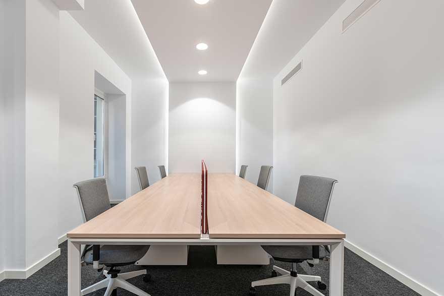 Diseño interior de sala de staff