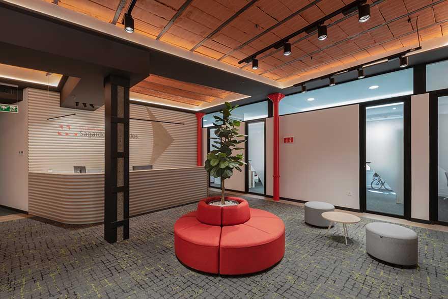 Diseño de recepción de oficina Sagardoy