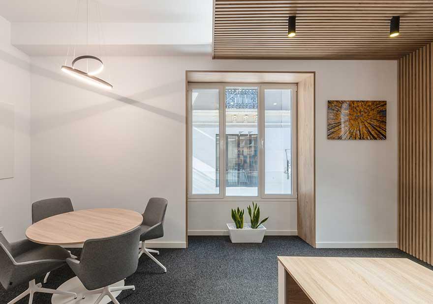 Interiorismo de despacho en oficina Sagardoy Abogados