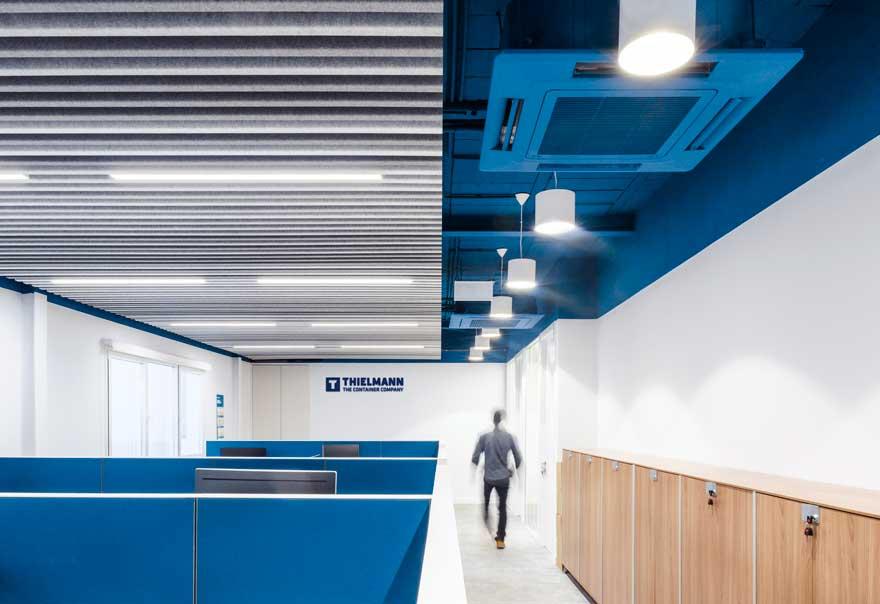 Diseño de interiores industrial de oficina en Granada