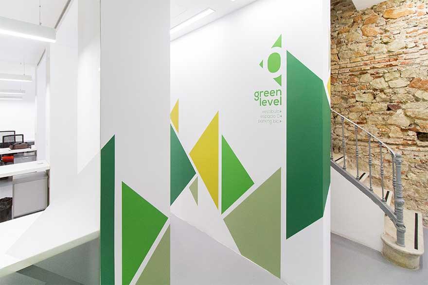 Diseño señalética mural en tonos verdes