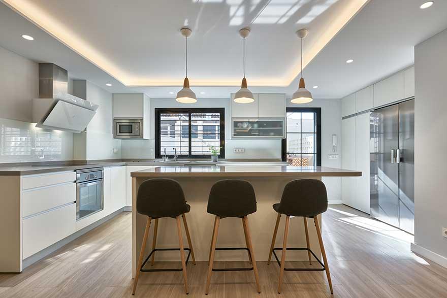 Interiorismo de cocina de vivienda en Málaga