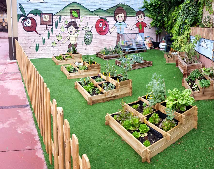 general view of the educational garden of CEIP Miraflores