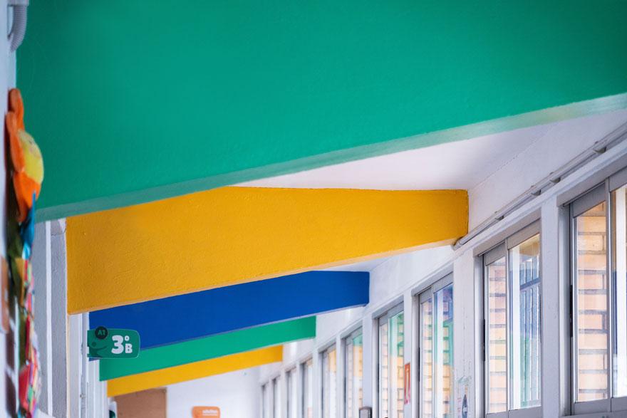 diseño interior del pasillo del centro educativo Miraflores