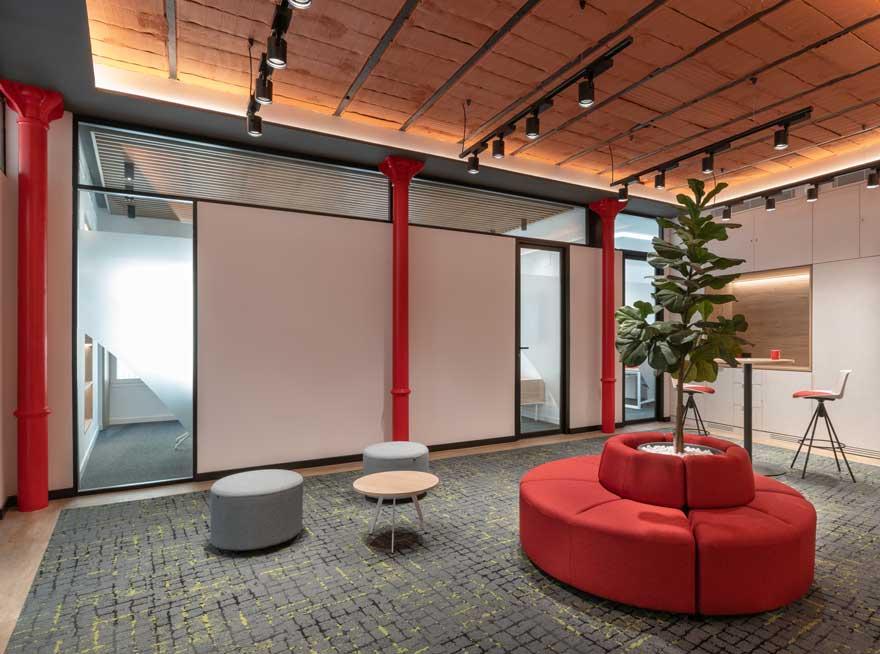 Diseño de interiores de oficina en Calle Larios Malaga